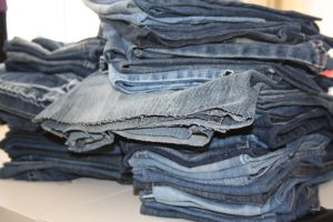 moving tips jeans